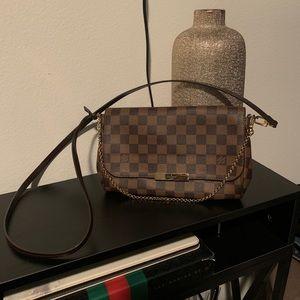 Louis Vuitton Favorite GM Damier Crossbody Bag